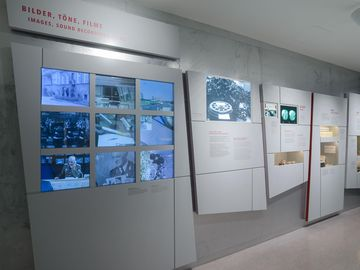 Video-wall with a variety of films from the Stasi