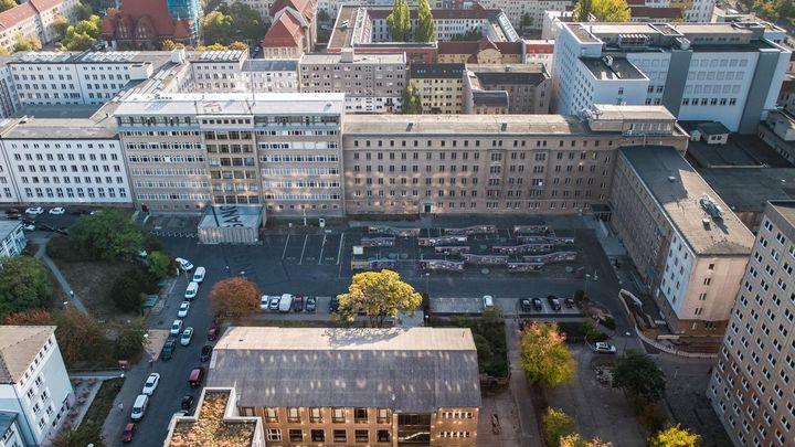 Luftbild auf den Innenhof der Stasi-Zentrale. Campus für Demokratie